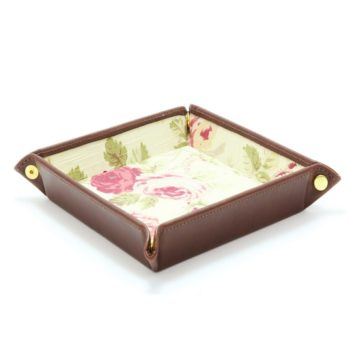 travel-tray-flowers