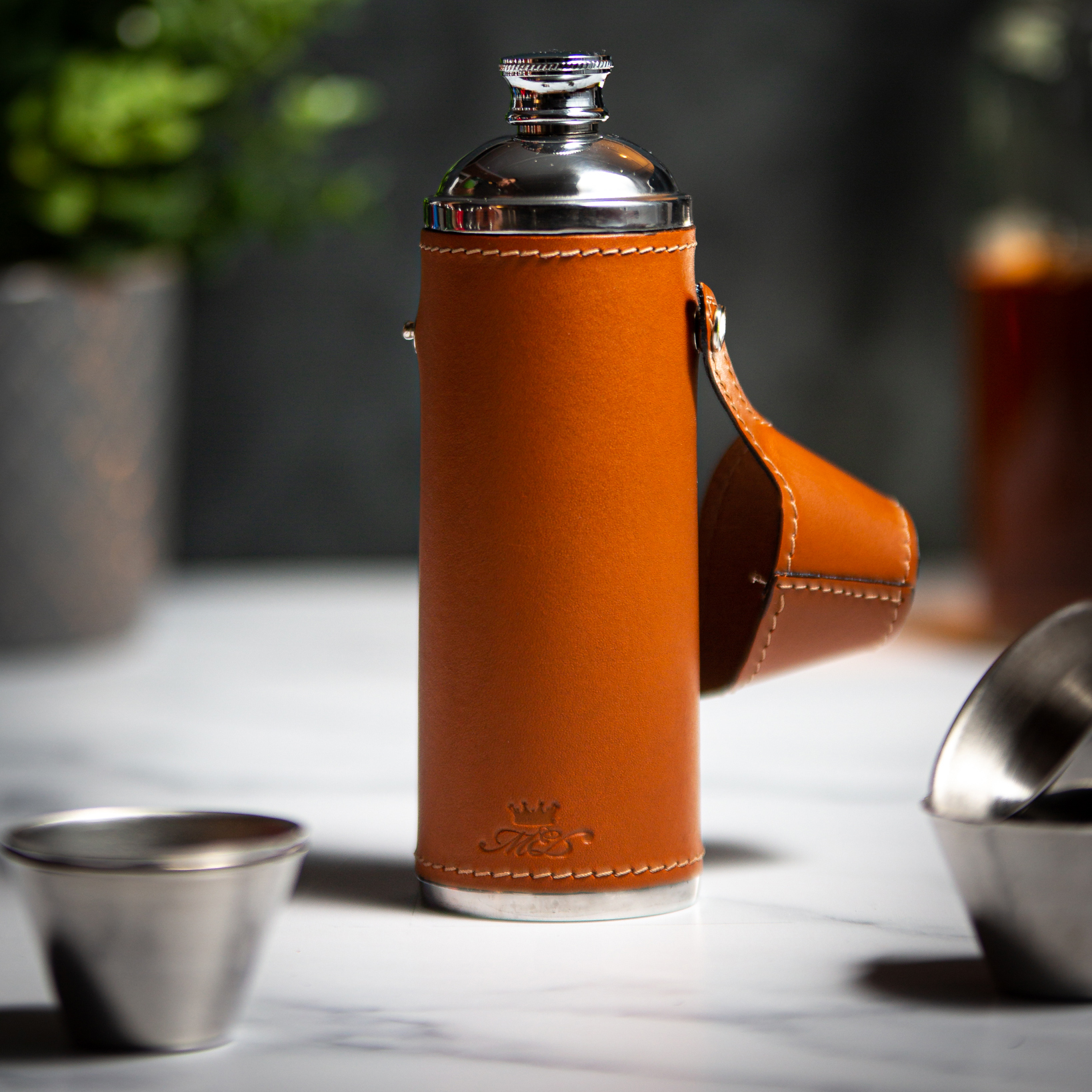 Handmade Leather 10oz Hunter Flask, Tan Squared - Marlborough Of England
